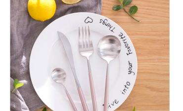Bộ đồ ăn phong cách Bồ Đào Nha - Quà tặng gia dụng phổ biến