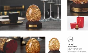 Chặn giấy pha lê đúc vàng 24k - Quà biếu cấp cao đầy tinh tế
